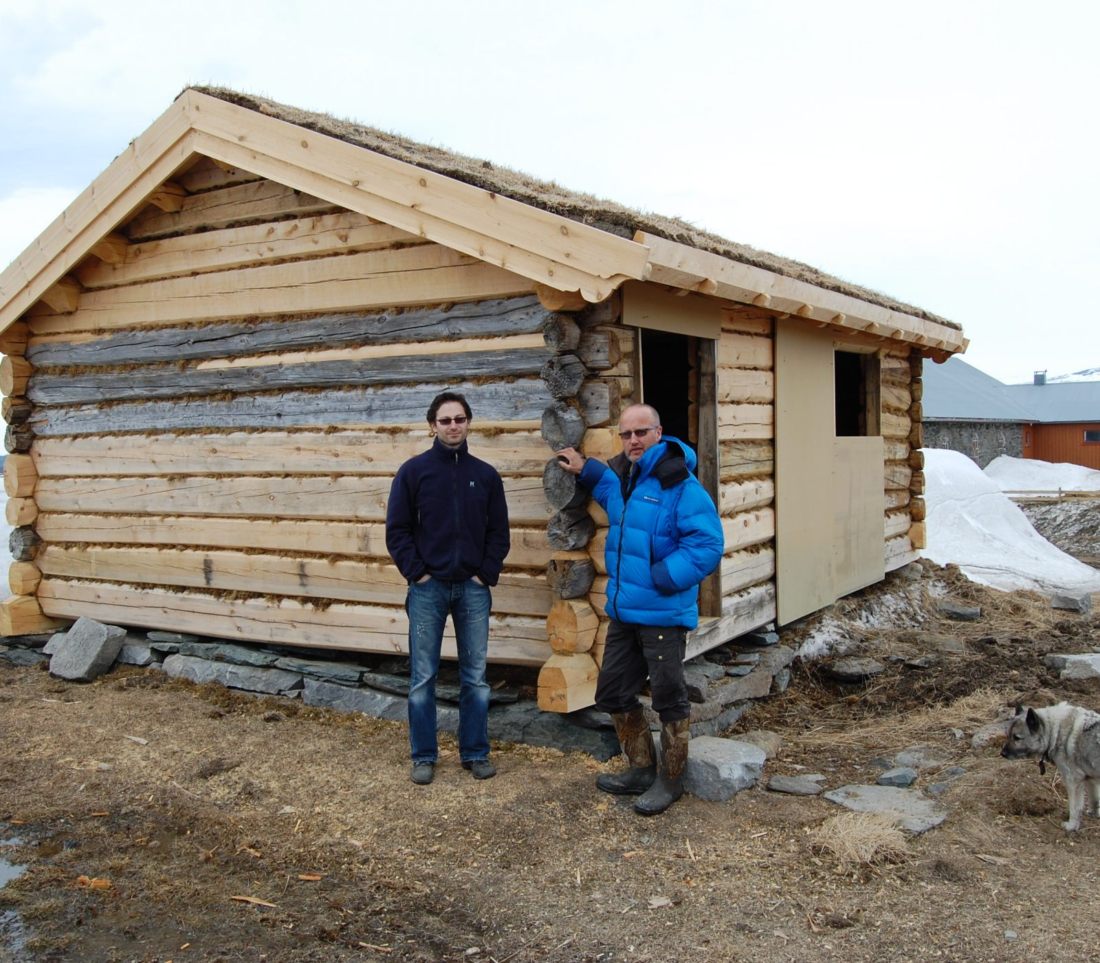 Eierne under istandsettingsarbeidet av Karstugu på Fokstugu fjellstue. (Foto: Einar Engen/Kulturminnefondet)