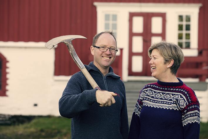 Tore Hammer og Kari Saxevik er eierne på Karlslyst gård i Hommelvik. (Foto: Tom Gustavsen)