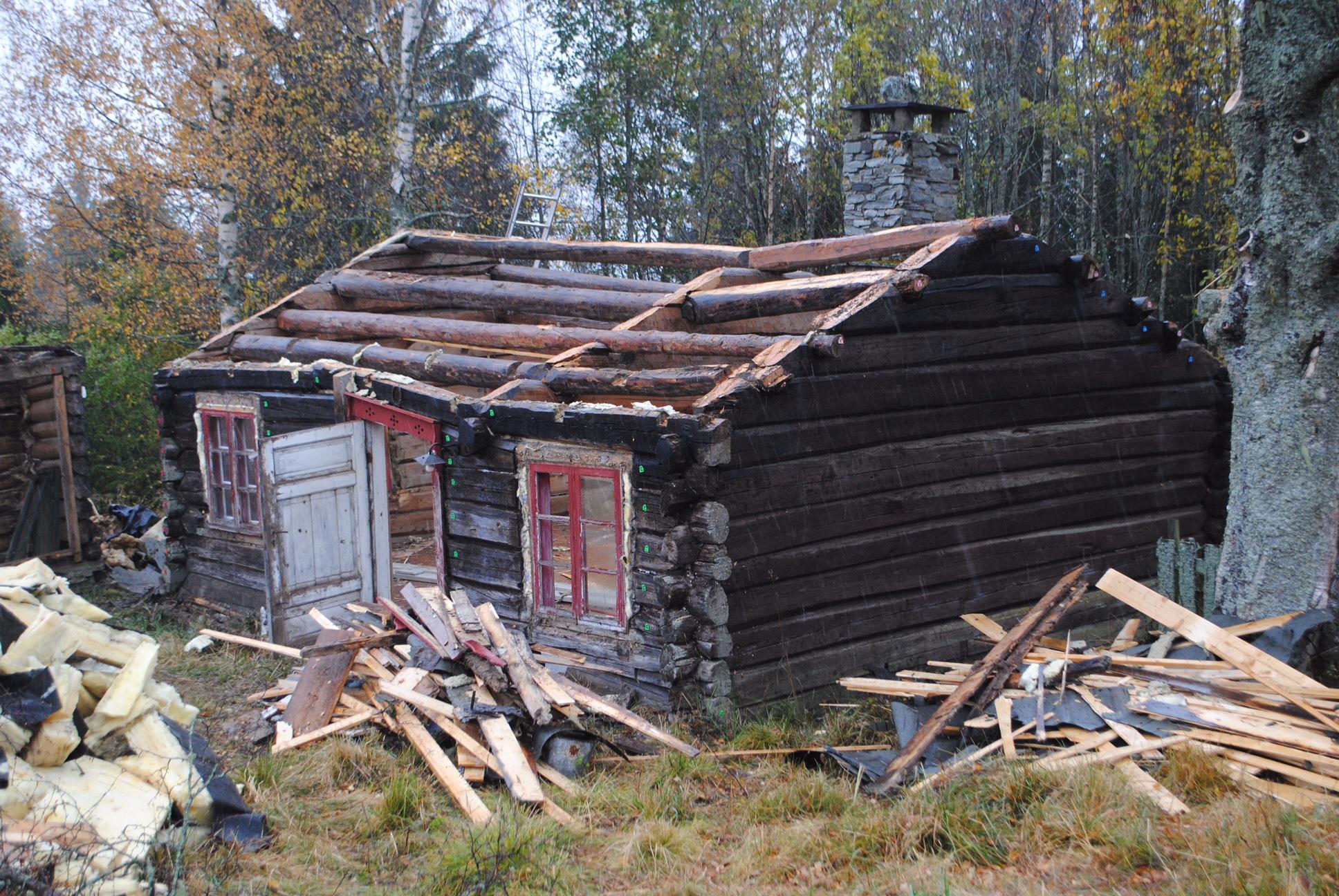 Demontere tømmerhus