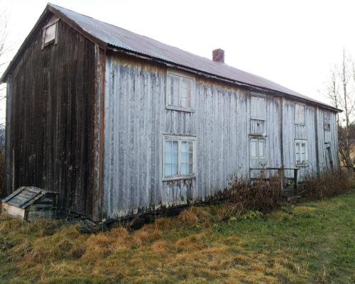 Olufstua var lite endret i nyere tid da eierne satte i gang med arbeidet. De utredet arbeidet godt i forkant, med vekt på å bevare mest mulig av de kulturhistoriske verdiene i huset. (Foto: Stein Sveaass)