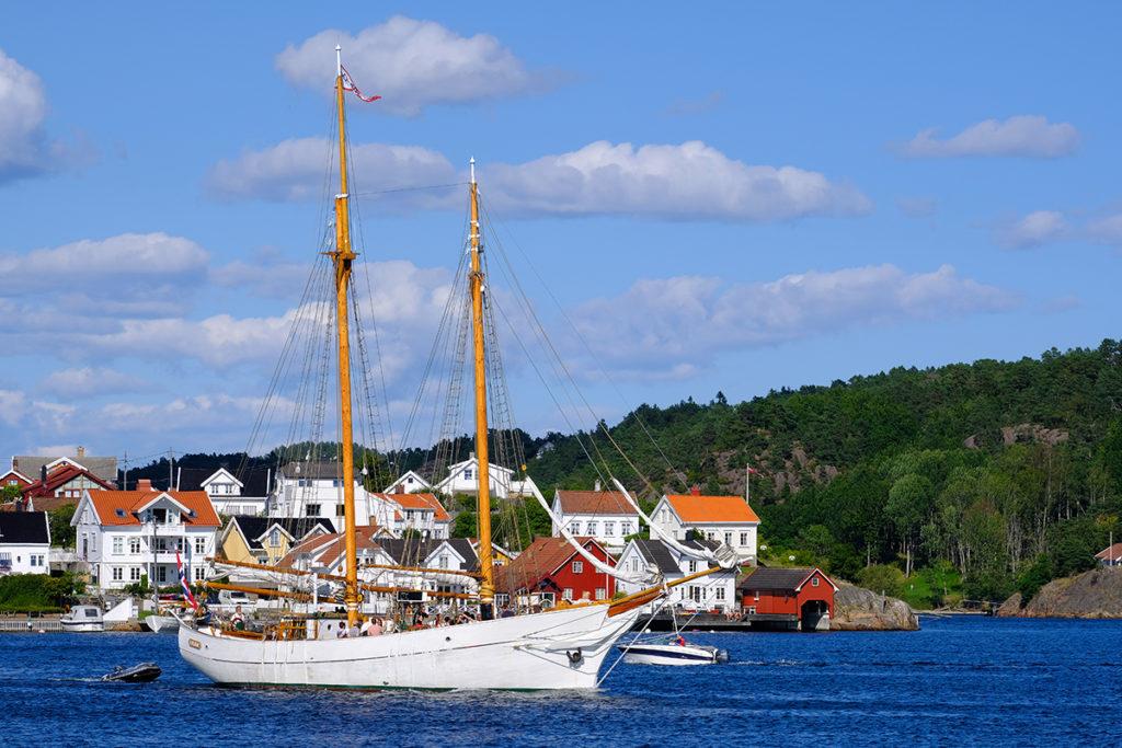 Skonnerten Solrik ligger i dag i Grimstad, til glede for barnehager, skoler, turister og andre interesserte. (Foto: Rune Nylund Larsen)