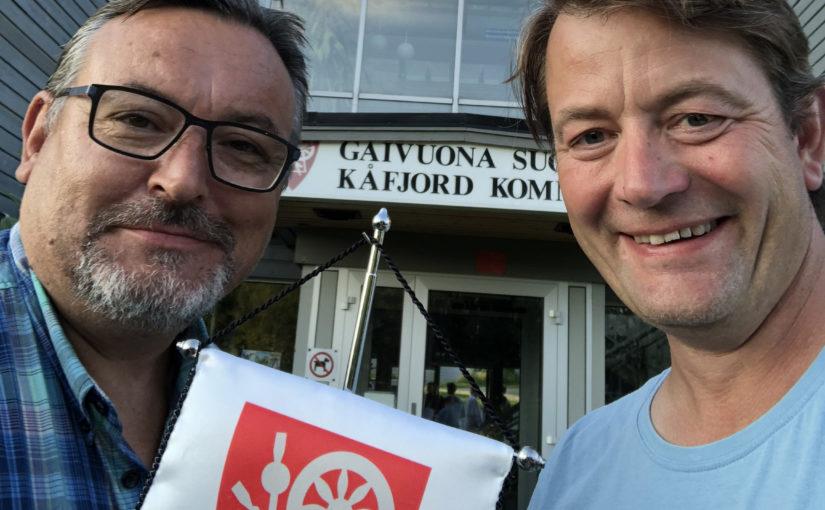 Ordfører i Kåfjord, Stein Leiros og direktør i Kulturminnefondet, Simen Bjørgen.