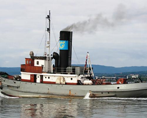 DS Styrbjørn ligger i dag til kai på Akershusstranda ved rådhuset i Oslo. (Foto: Norsk kulturminnefond)
