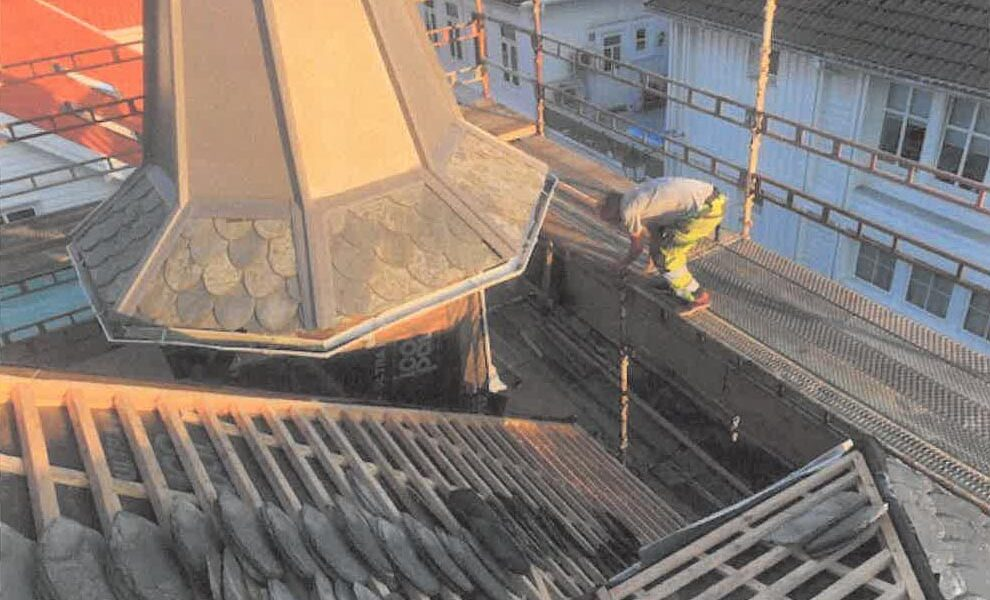 Istandsetting av taket på Grand hotell Flekkefjord