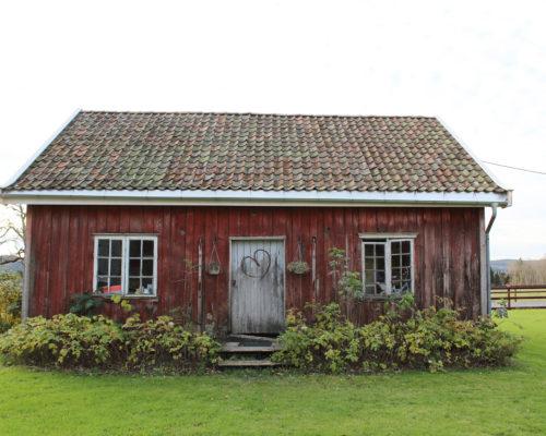 Framsiden på bryggerhuset før arbeidene startet. (Foto: Rune Strønes)