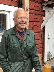 Far sjøl på gården, Øivind Myhrer. (Foto: Margret Lie Wessel)