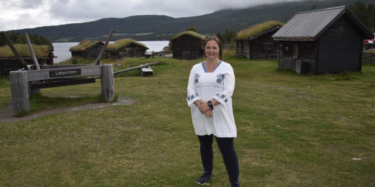 Baristabudeia Anne-Mari Sandvær (45) skapte et eventyr ut av en nedfalls seter. Foto: Bjørn Brandt/GD