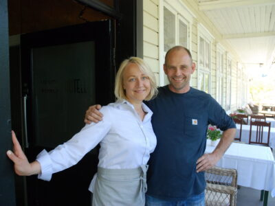 Marit Nordheim Otterdal og Arvid Otterdal på Visnes Hotel i Stryn. Foto: Julie Messel