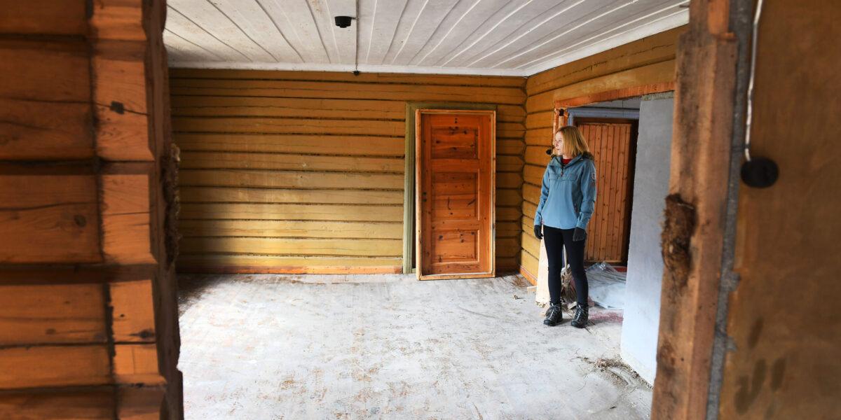 Helene Flåten inne i Amerikahuset. Foto: Einar Almehagen