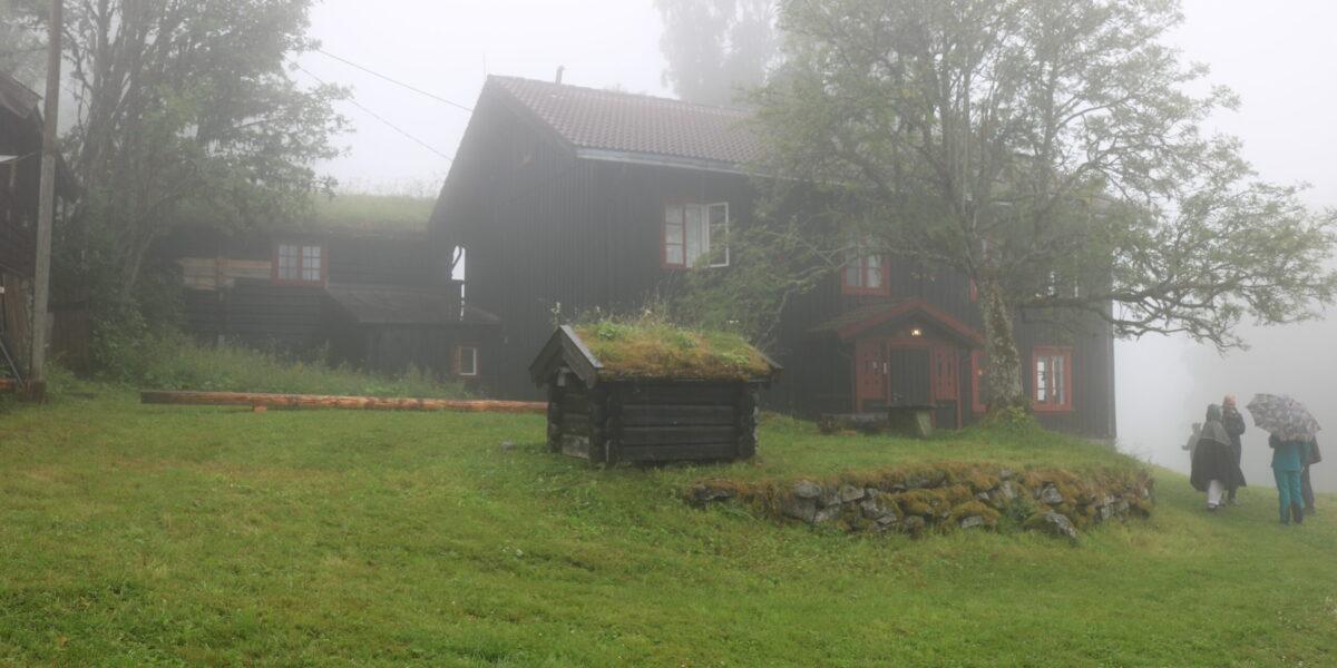 Det var nok tettare tåke på Ringsveen den dagen jakob Weidemann sa til advokaten sin: - Vi tar stedet. Foto: Kjell Nyhus
