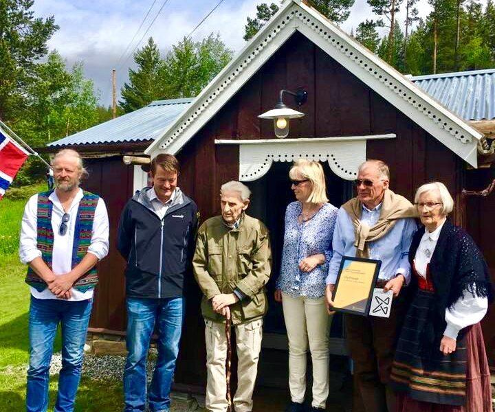 Opning av Olufhuset 19. juni 2017. F.v. Arne Bergum, Simen Bjørgen, Wilhelm Otto Moberg Nilssen, Gunne Becker, Stein T. Havn Karlsen og Ingrid Havn.